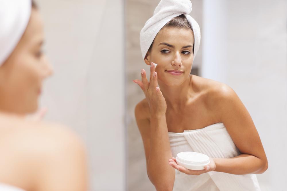 Skin care da quarantena: come mantenere una pelle sana.