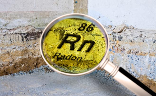 Radon negli ambienti di lavoro: stretta sui limiti e obbligo di misurazioni anche al piano terra