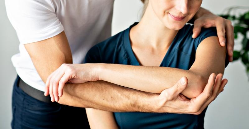 Curare e prevenire le patologie muscolo-scheletriche di origine acuta, cronica o post-chirurgica affidandosi a professionisti del settore riabilitativo